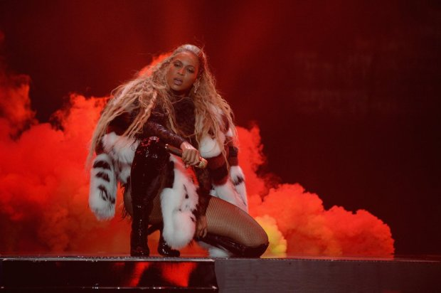 beyonce-performance-pictures-2016-mtv-video-music-awards